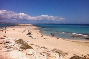 Cómo moverse por Formentera: Mejores opciones para disfrutar de la isla
