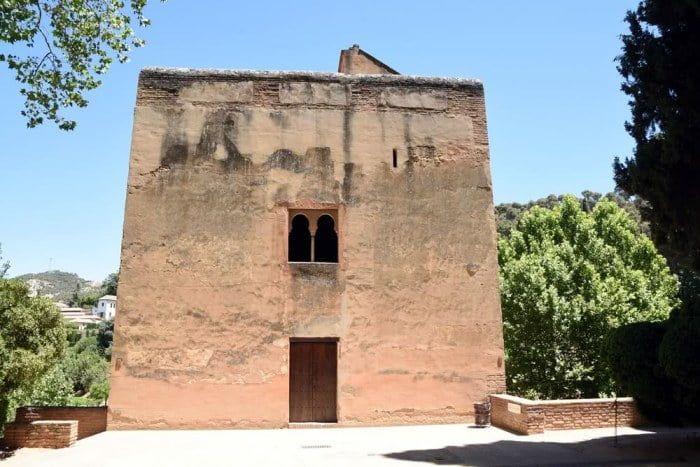 cuales son las torres de la alhambra