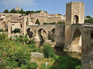 Los 5+1 pueblos medievales que debes conocer en la Costa Brava