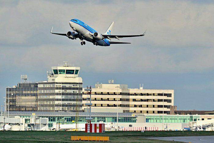 como ir del aeropuerto de Manchester al centro