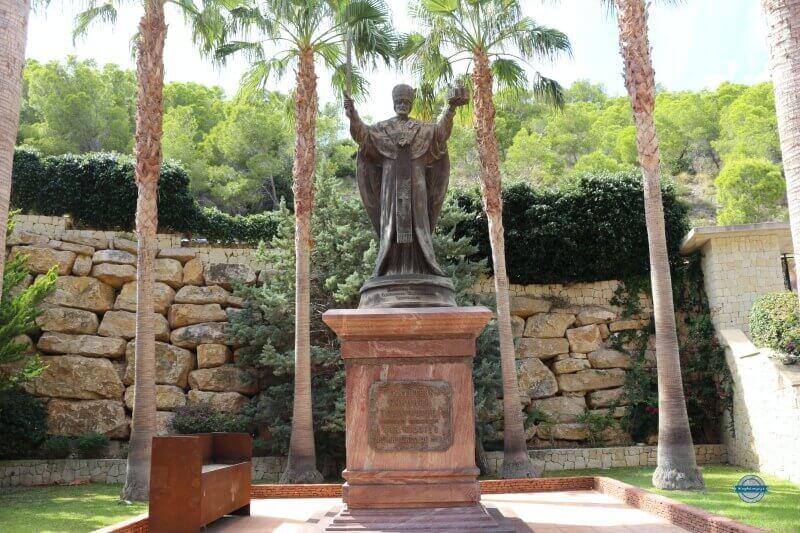 estatua San Nicolás de mira